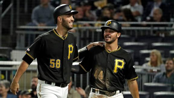 Pirates' offense comes alive for 7-run 7th inning