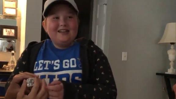 Blues surprise super fan with Stanley Cup ring