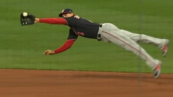 Zimmerman stretches out for amazing catch