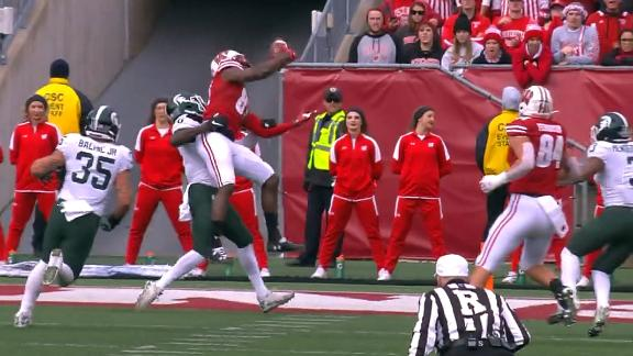 Cephus makes circus catch for Wisconsin TD