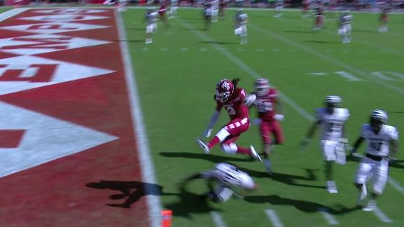 Wright hurdles over defender for Owls TD