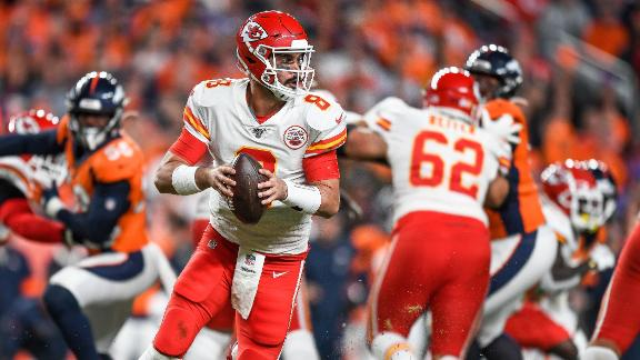 Moore leads Chiefs to victory after Mahomes goes down