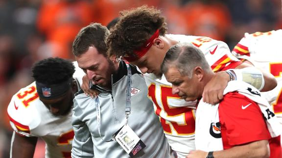 Bell breaks down what she saw during Mahomes' injury