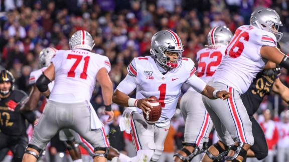 Fields' 4 TDs propel Buckeyes to 7-0