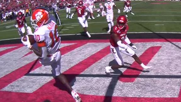 Clemson's Ngata makes leaping TD grab