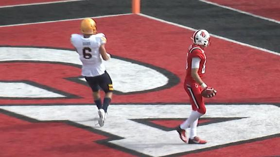 Ball State pulls out the bag of tricks for 39-yard TD pass