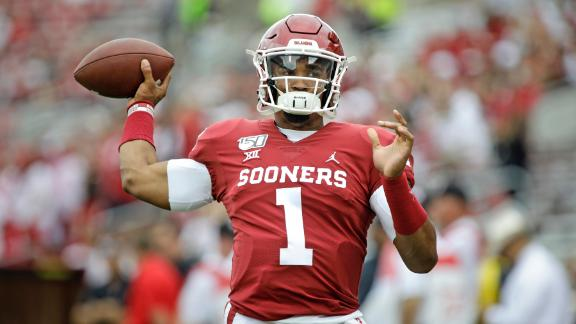 Hurts' 5-touchdown day fuels Oklahoma's win