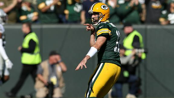 Rodgers dominates Raiders with 6-TD performance