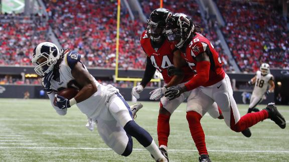 Gurley hauls in nice over-the-shoulder TD catch