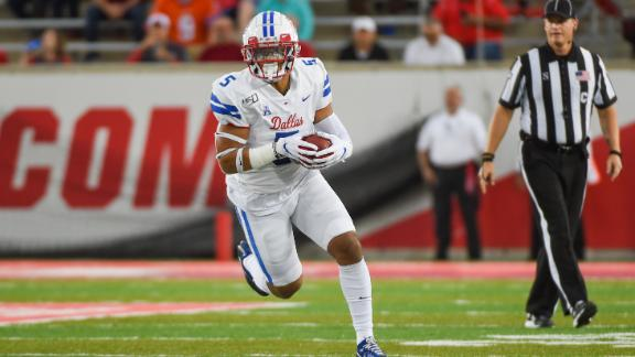 Jones' 2-TD performance keeps SMU perfect
