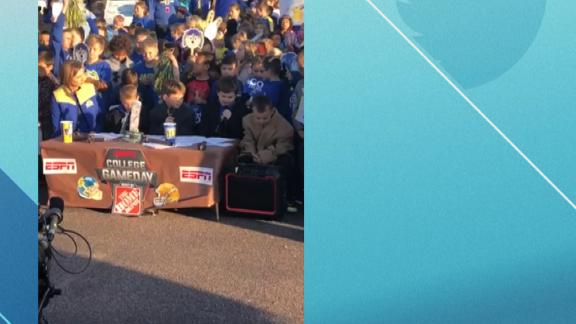 Young South Dakota State fans recreate ESPN's College GameDay