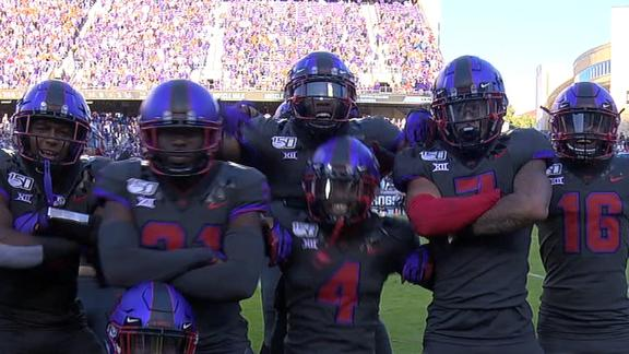 TCU defense poses for photo after 3rd Ehlinger pick