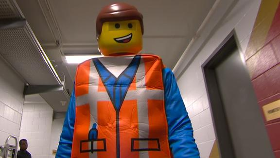 Redick arrives for Pelicans game as Lego character