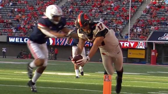 Oregon State's Hodgins dives for pylon on TD