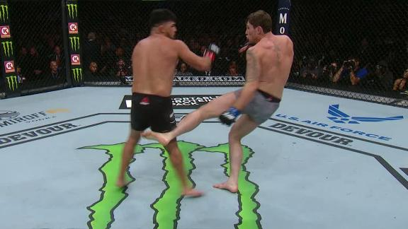 Till, Gastelum exchange leg kicks