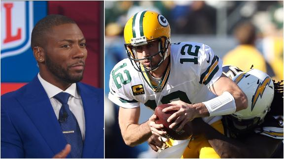 Clark: Rodgers didn't look comfortable in pocket vs. Chargers