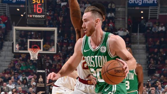 Hayward scores 22 to lead Celtics in 1st half