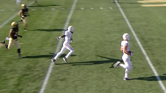 UMass breaks out trick play for longest TD of season