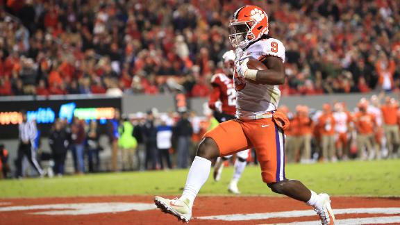 Etienne goes off for 3 TDs and 143 yards vs. NC State
