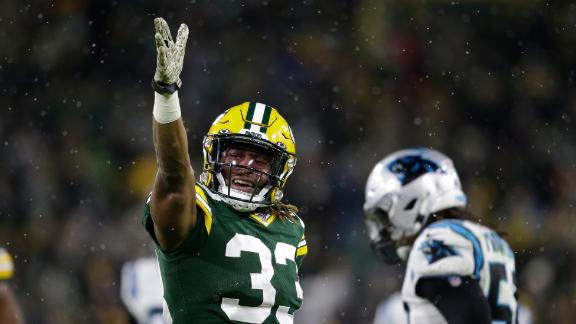 Aaron Jones racks up 3 TDs vs. Panthers