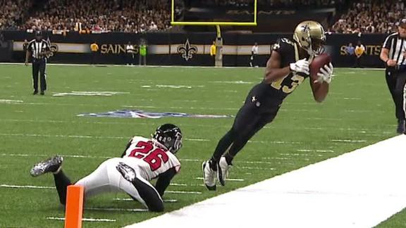 Thomas tiptoes on sideline for amazing catch