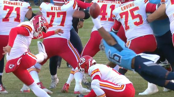 Titans block FG to seal win over Chiefs