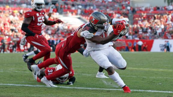 Bucs edge Cardinals to end 4-game skid
