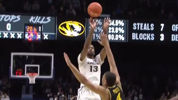 Xavier hits 3-pointer to tie game in regulation, hits big shot in OT