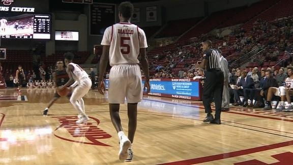 UMass hits full-court shot to beat halftime buzzer
