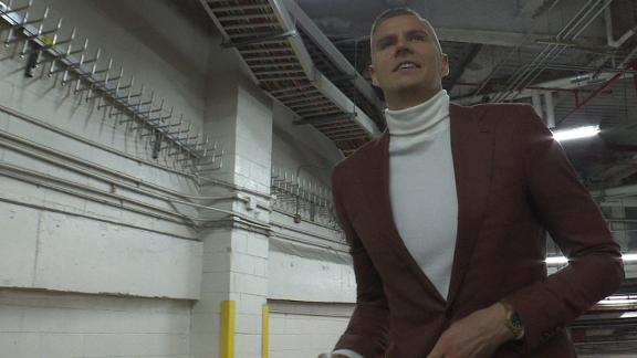 Porzingis arrives at MSG for return game vs. Knicks