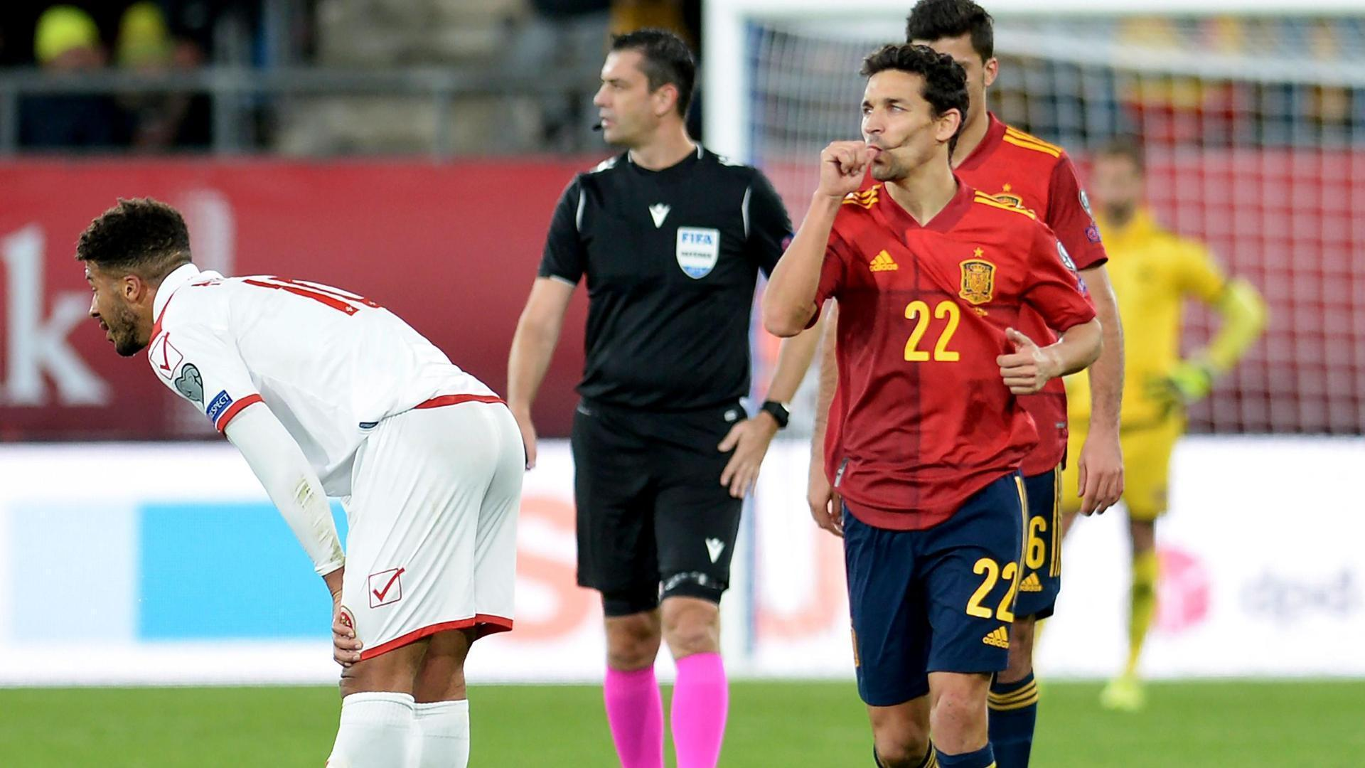 Jesus Navas' beauty gives Spain 7