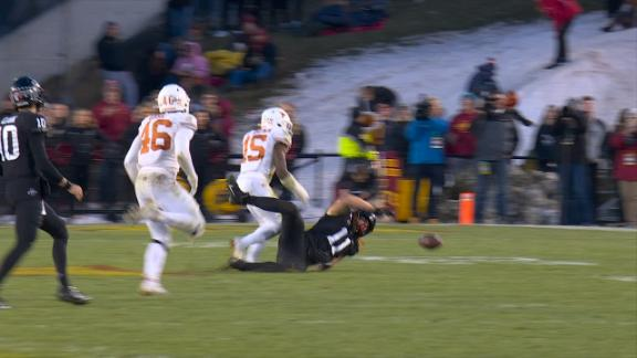 Iowa State's fake field goal ends in incompletion