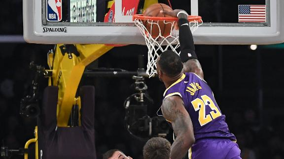 LeBron powers Lakers past Kings with 29 points, 11 assists