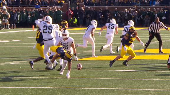 Michigan blocks Michigan State's punt