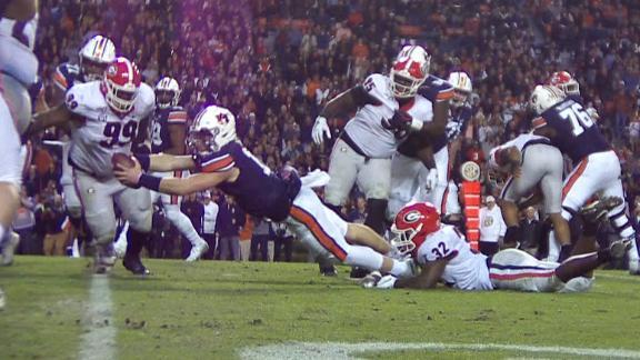 Nix rushes for the score as Auburn draws close