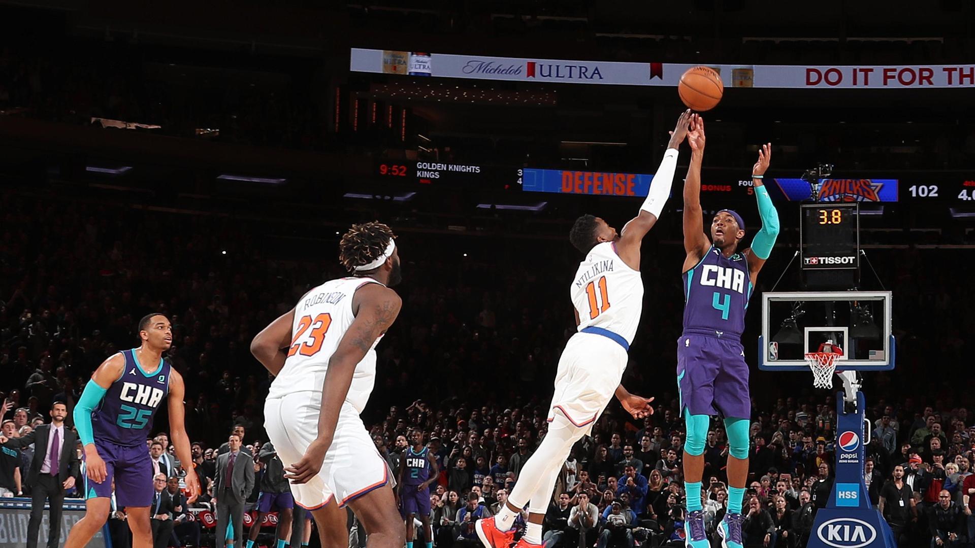 Graham's deep 3 beats Knicks