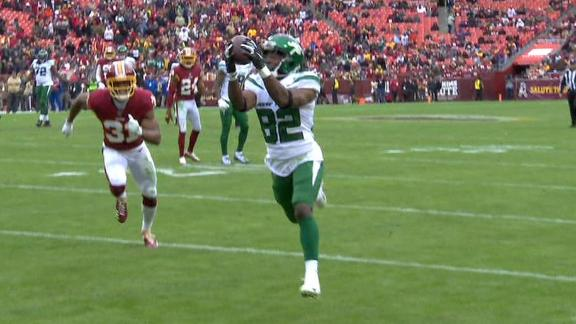 Crowder hauls in Darnold's 4th TD pass