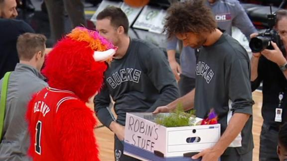 Benny the Bull has a bone to pick with Lopez