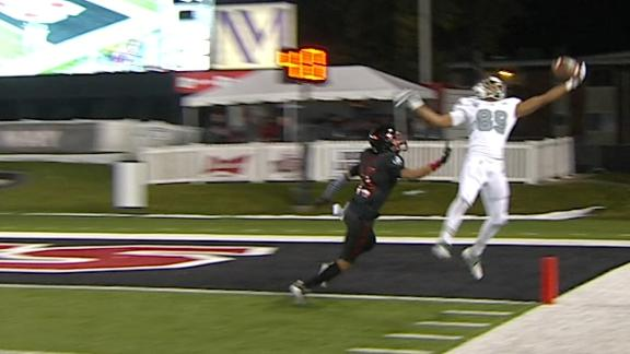 Eastern Michigan WR makes remarkable one-handed TD grab