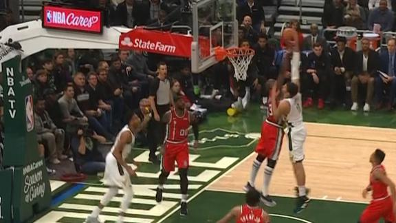 Lopez hammers home dunk on Tolliver