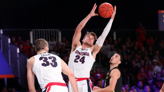 Gonzaga holds on in OT vs. Oregon