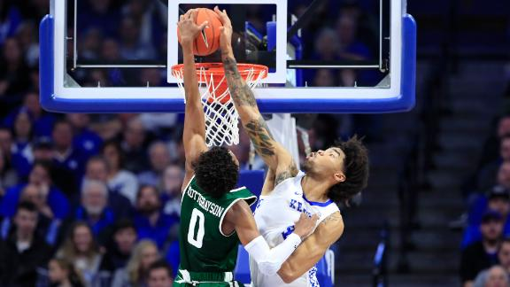 UK rolls over UAB behind Richards' efficient outing