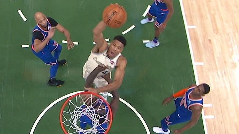 Giannis dunks with authority