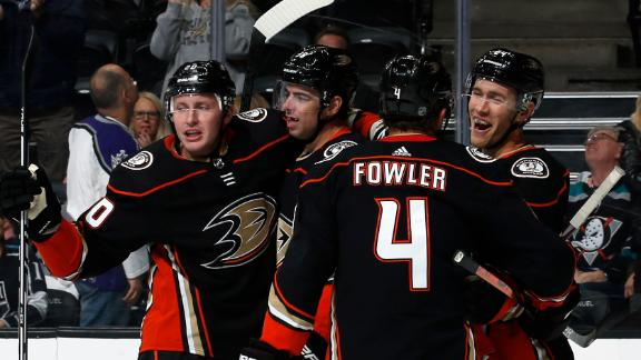 Grant nets two goals in Ducks' win