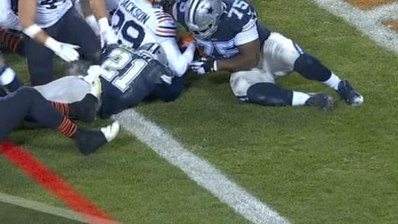 Zeke finds the end zone for the 2nd time