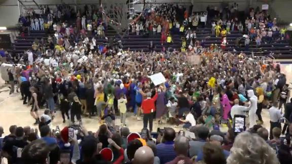 Taylor University students lose their minds, storm court on 10th point