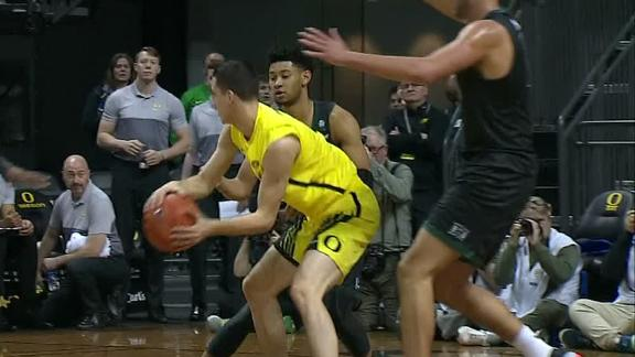Sabrina Ionescu's twin sends sweet dish to Patterson for big jam