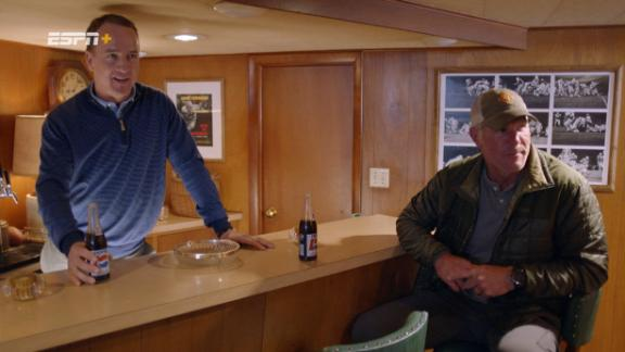Manning, Favre visit Lombardi's basement