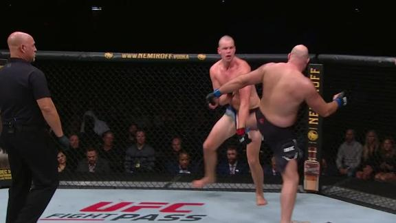 Rothwell loses point after second low kick