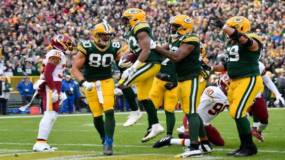Rodgers, Jones lead Packers to win